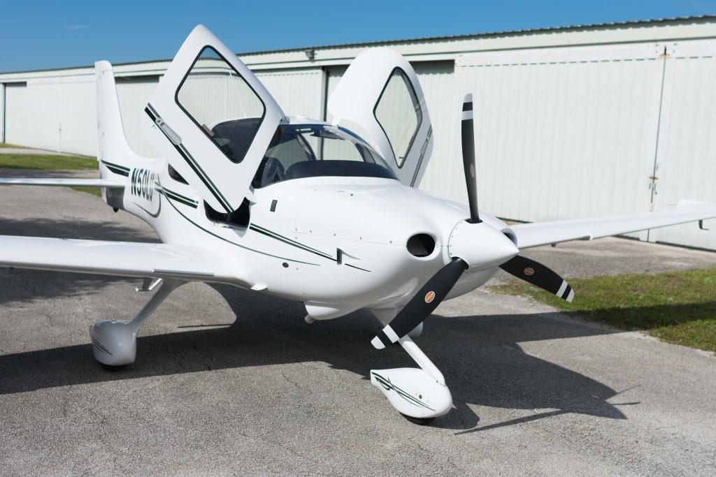 Cirrus SR-20 (N50LU)